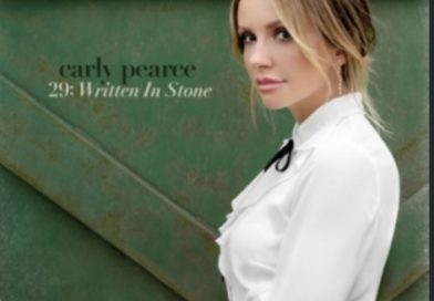"""Carly Pearce : A Ten Minute Chat About """"29 : Written In Stone"""""""